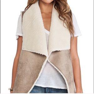 NWT Velvet Graham & Spencer Faux Sherpa Drape Vest